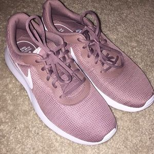 Mauve Nike's